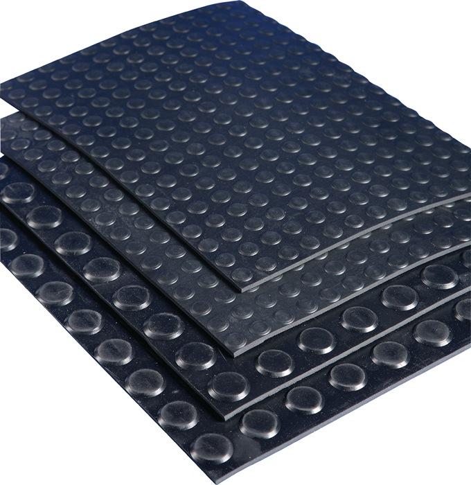 Rub. mat m.platte noppen wl 10x1,20m zwart vlak 12,0m2 zwart dik. 3mm rol MÖLLER