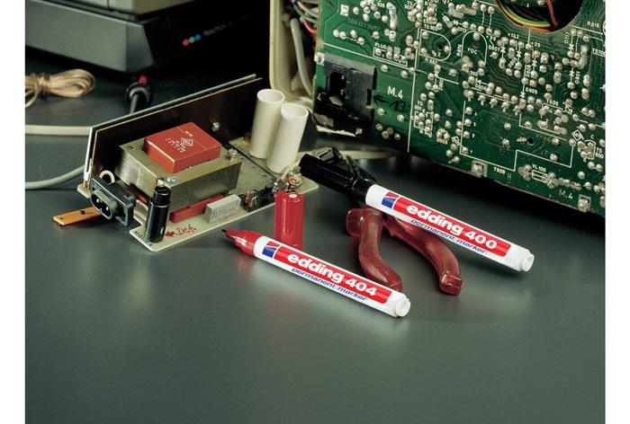 Permanentmarker edding 3000 rood ronde punt streepbreedte ca.5-3mm EDDING